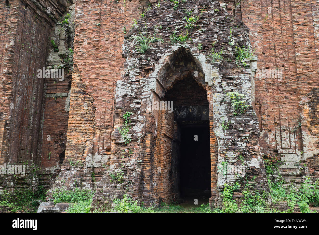 Closed entrance view of Chien Dan, Champa ancient tower in Quang Nam, Vietnam, is a group of three towers from the ancient Champa civilization. - Stock Image