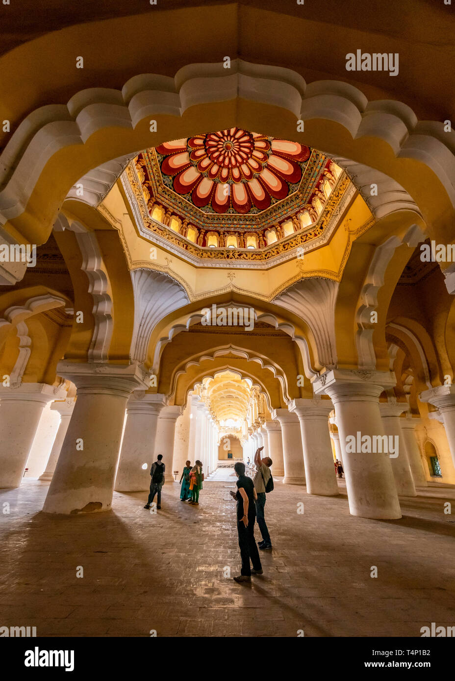 Vertical view of the amazing domed ceiling at the Thirumalai Nayak Palace in Madurai, India. Stock Photo