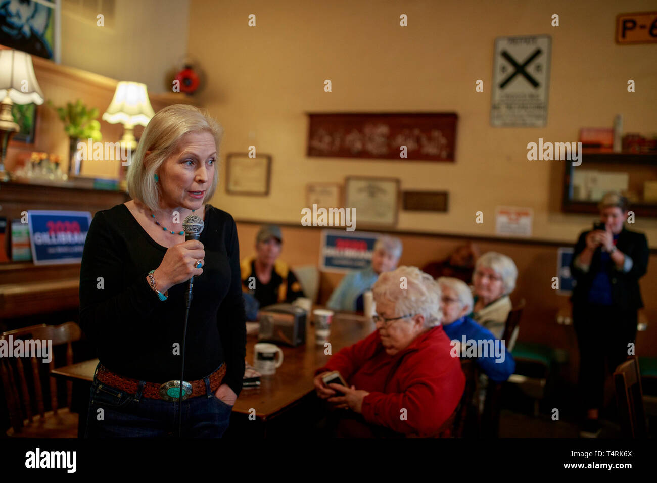 New York State Primary Elections 2020.New York Democratic Senator Kirsten Gillibrand Campaigns For