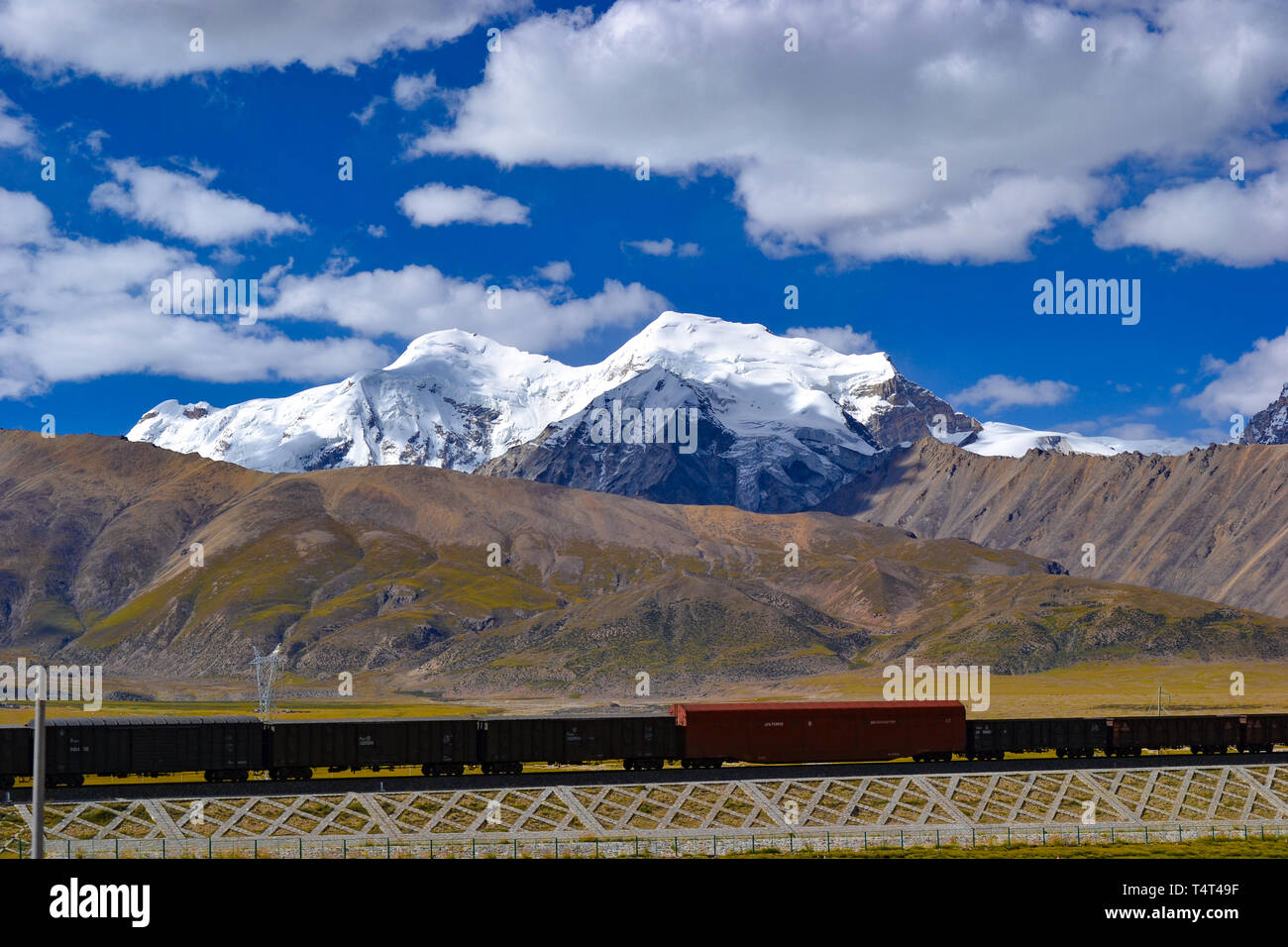 Qinghai–Tibet railway, a high-elevation railway on Tibetan Plateau in Tibet, China Stock Photo