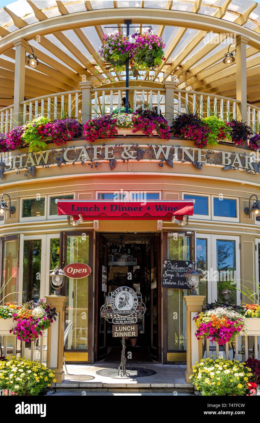 A famous restaurant, located in the Queen Street, is a fine wine bar and cafe - Stock Image