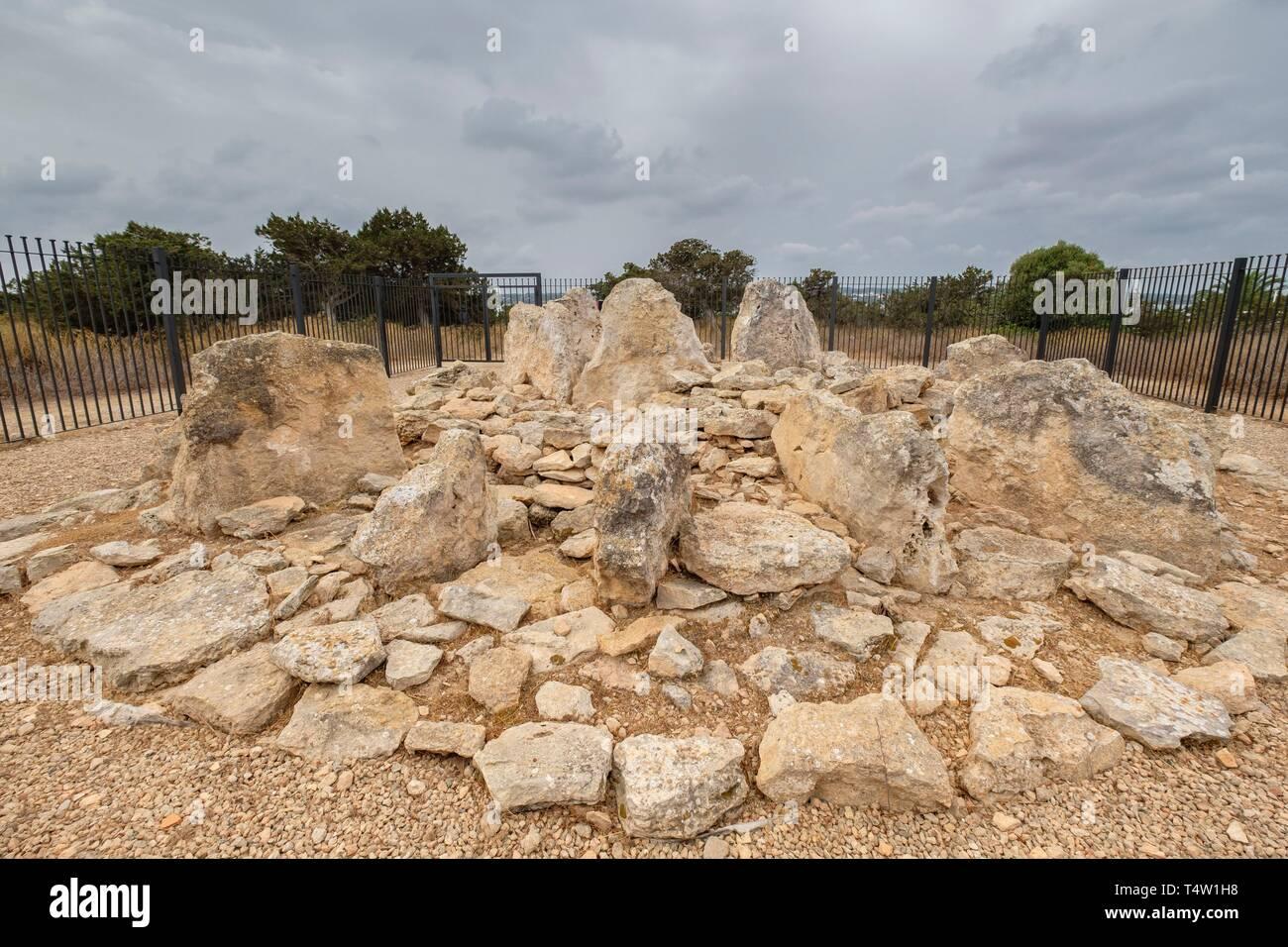 monumento megalítico , Ca Na Costa , 2.000 - 1.600 aC. a, comienzos de la edad de bronce, Formentera, balearic islands, Spain. - Stock Image