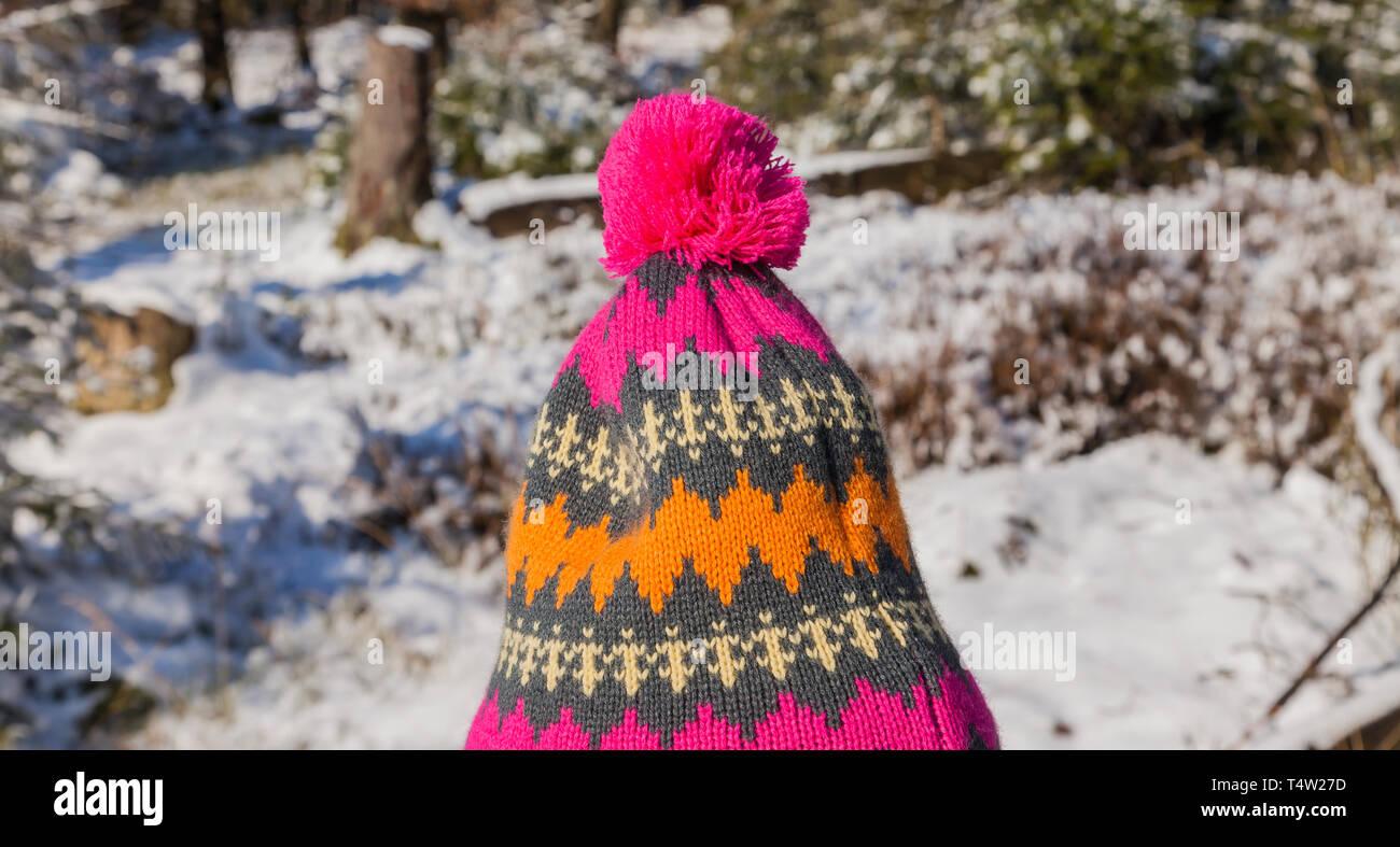URBAN KNIT Men Bobble Pom Pom Hat /& Scarf Knitted gift set boxed CHRISTMAS SALE