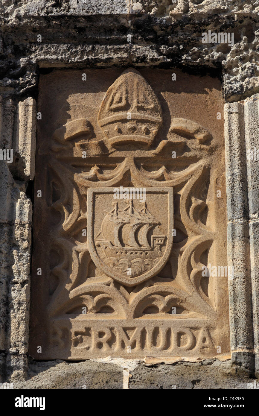 Bermuda, Hamilton, Coat of Arms Carving on Church of the Most Holy Trinity - Stock Image