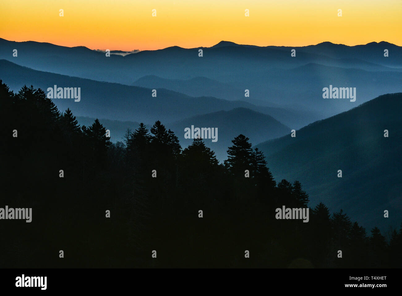 Early morning sunrise from the summit at Newfound Gap in the Great Smoky Mountains National Park in autumn, outside Gatlinburg, TN, USA Stock Photo