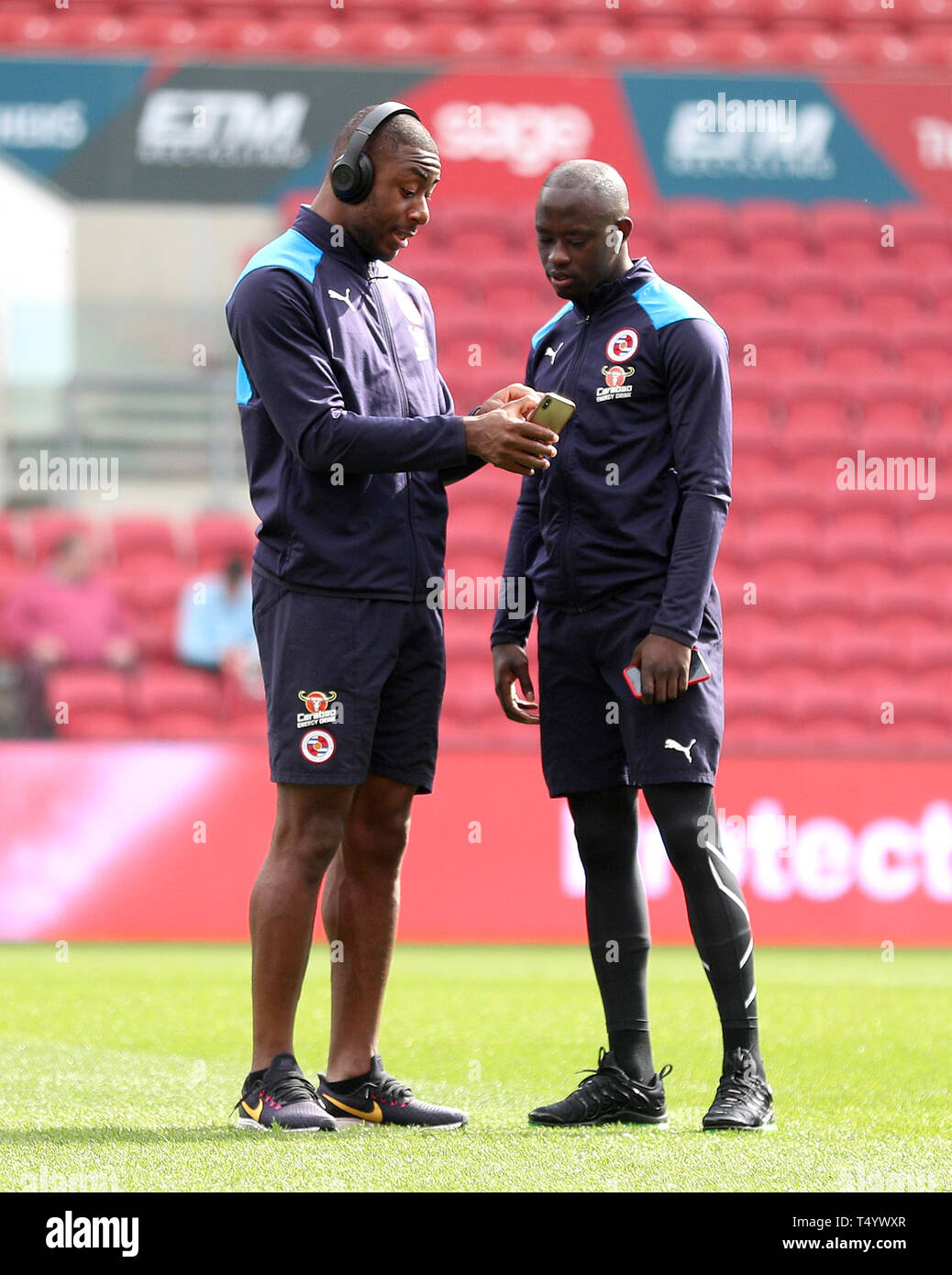 Reading's Modou Barrow (right) and Yakou Meite check their
