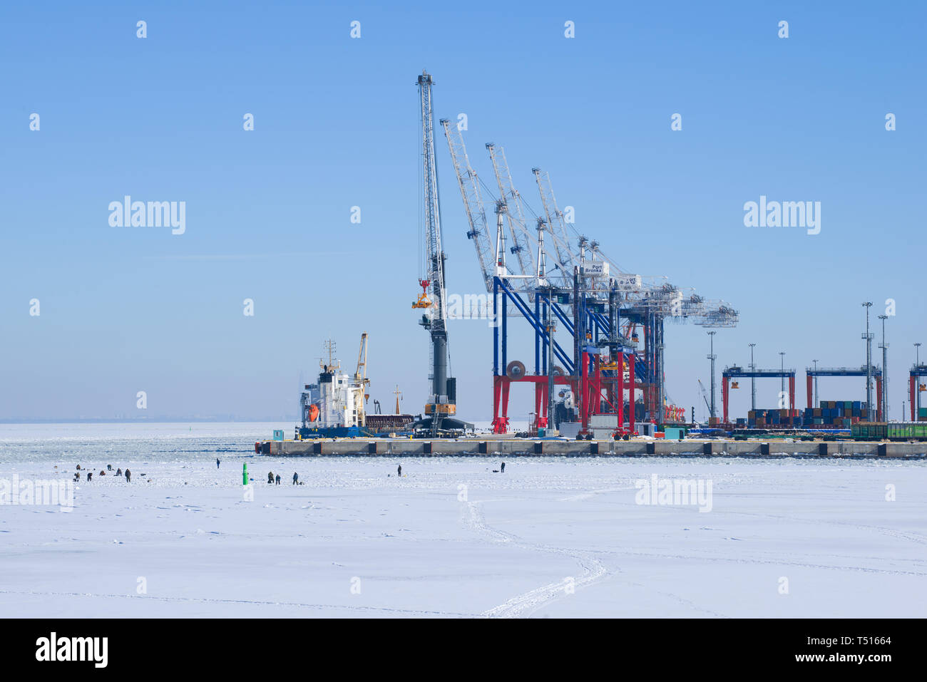 LOMONOSOV, RUSSIA - MARCH 05, 2018: View of the multifunctional cargo port 'Bronka' on a sunny March day - Stock Image