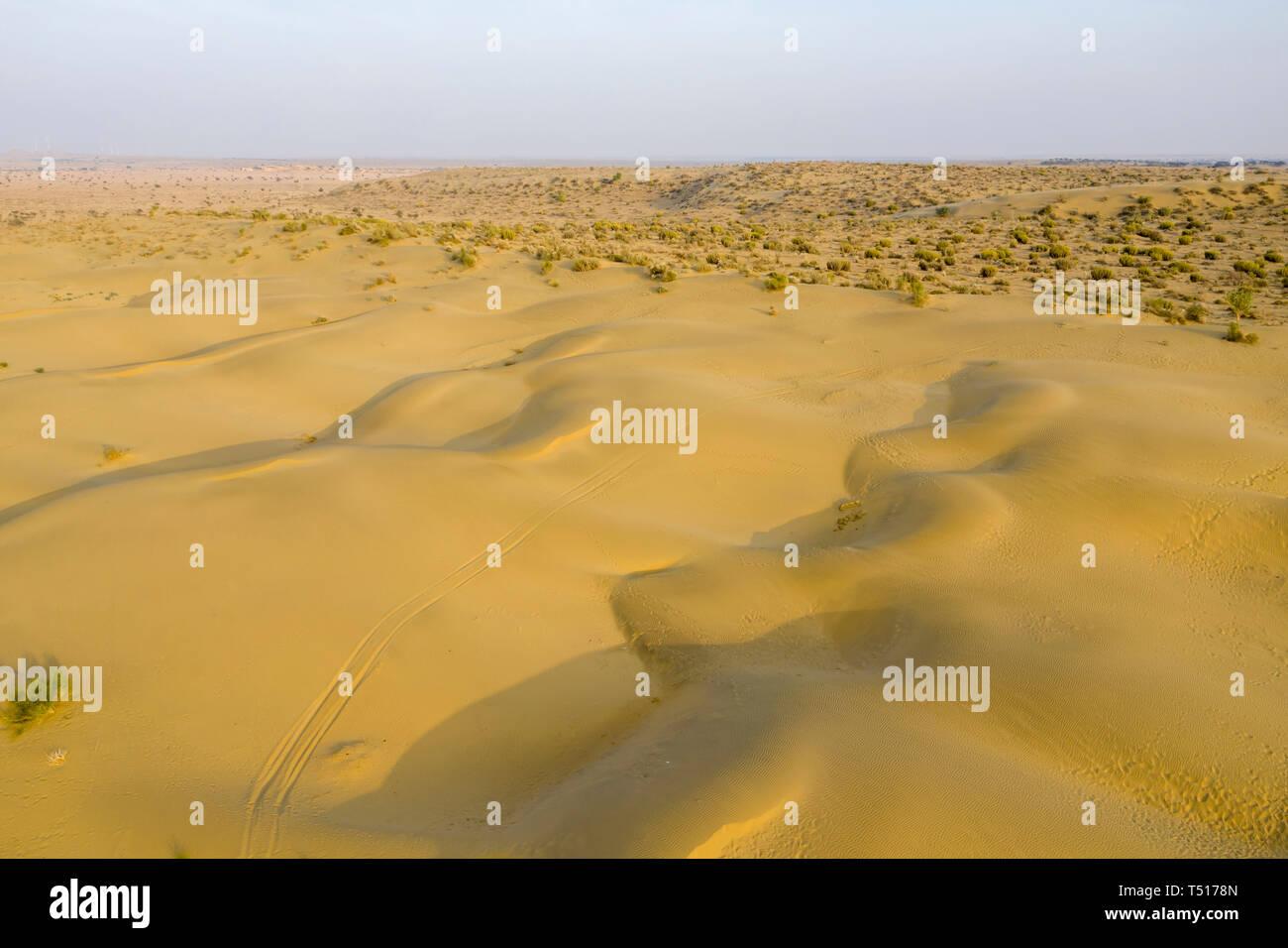 India, Rajasthan, Jaisalmer, Khuri Desert - Stock Image