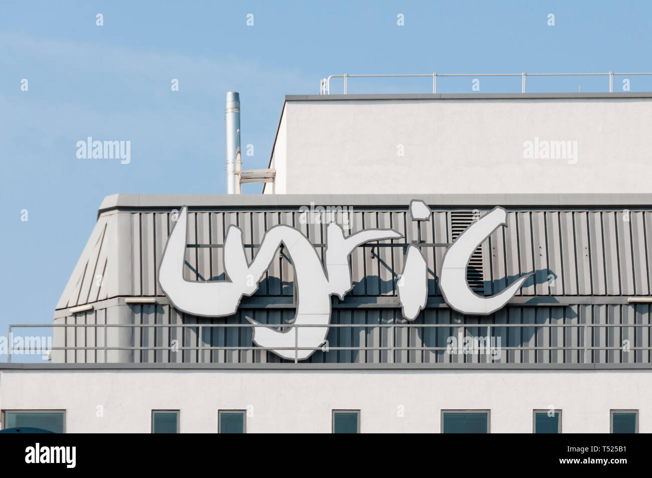 Lyric sign on the roof of the Lyric Theatre, Hammersmith. - Stock Image