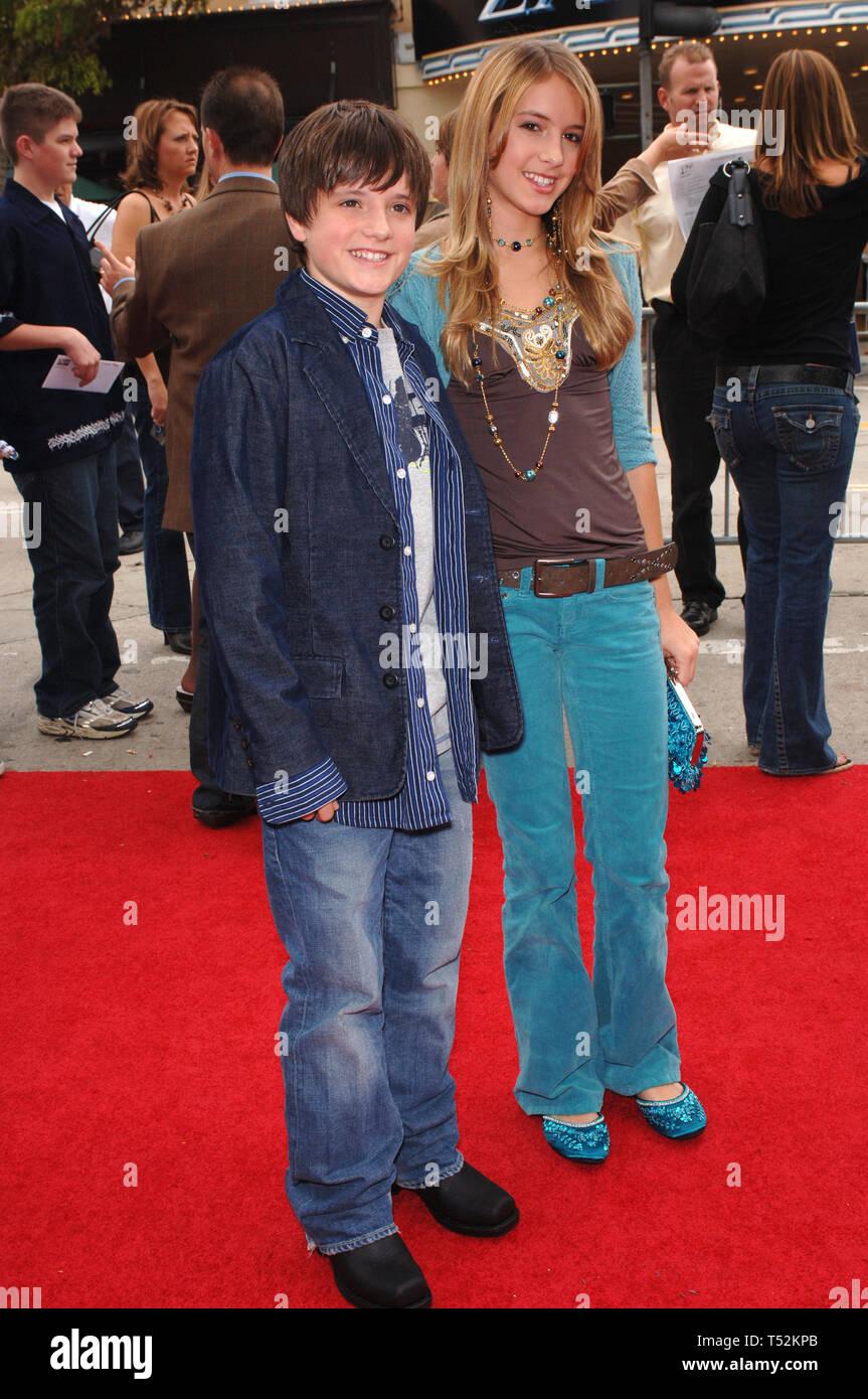 LOS ANGELES, CA. November 06, 2005: Actor JOSH HUTCHERSON ...