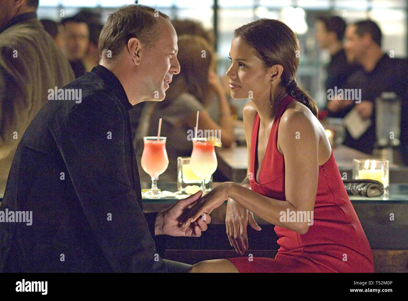 PERFECT STRANGER 2007 Revolution Studios film with Halle Berry and Bruce Willis - Stock Image