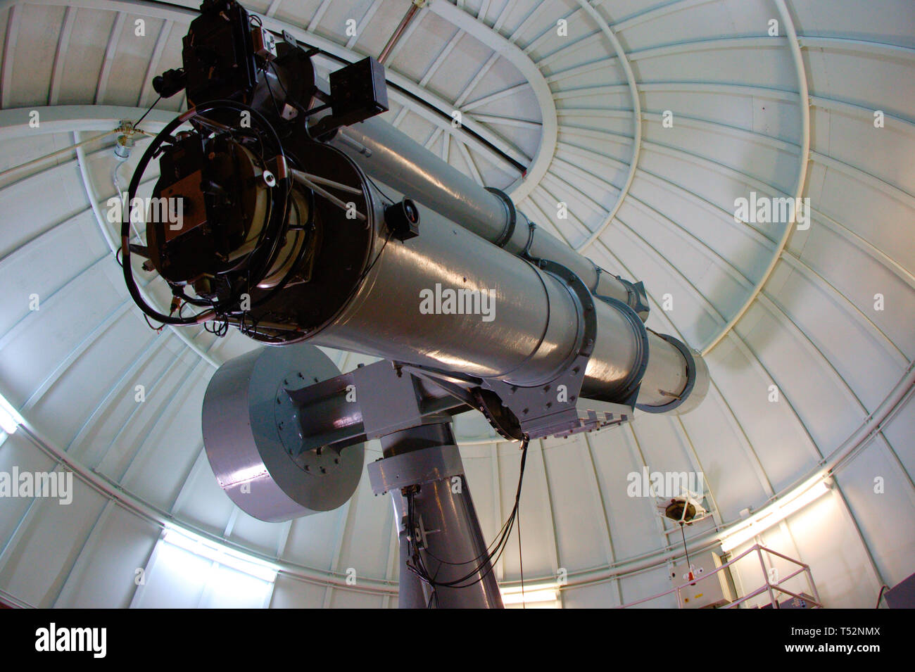 Telescope from the 1950's at an observatory. Vintage technology. - Stock Image