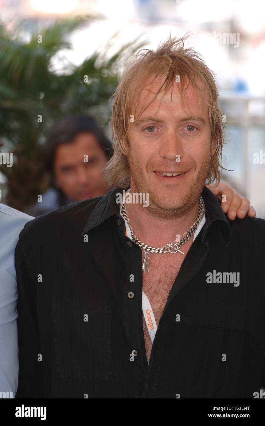 CANNES, FRANCE. May 21, 2005: Actor RHYS IFANS at the 58th Annual Film Festival de Cannes to promote his movie Chromophobia. © 2005 Paul Smith / Featureflash - Stock Image