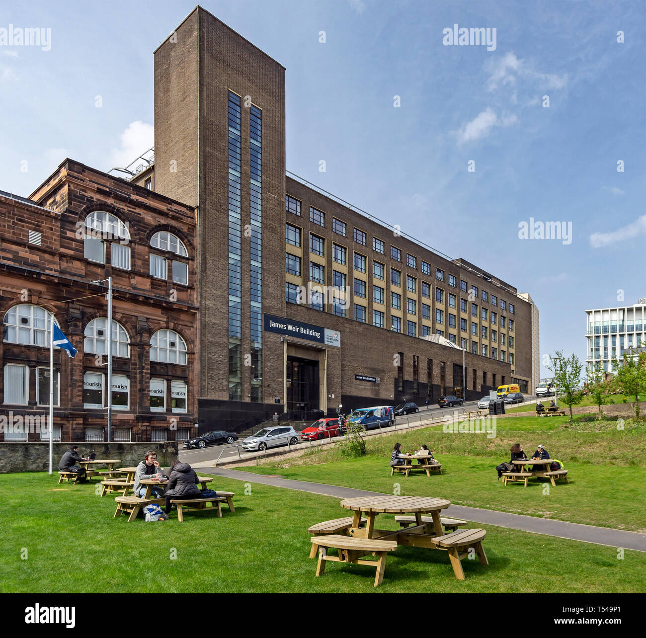 The University of Strathclyde Richmont Street Glasgow Scotland UK with the James Weir building in Montrose Street behind Rottenrow Gardens Stock Photo