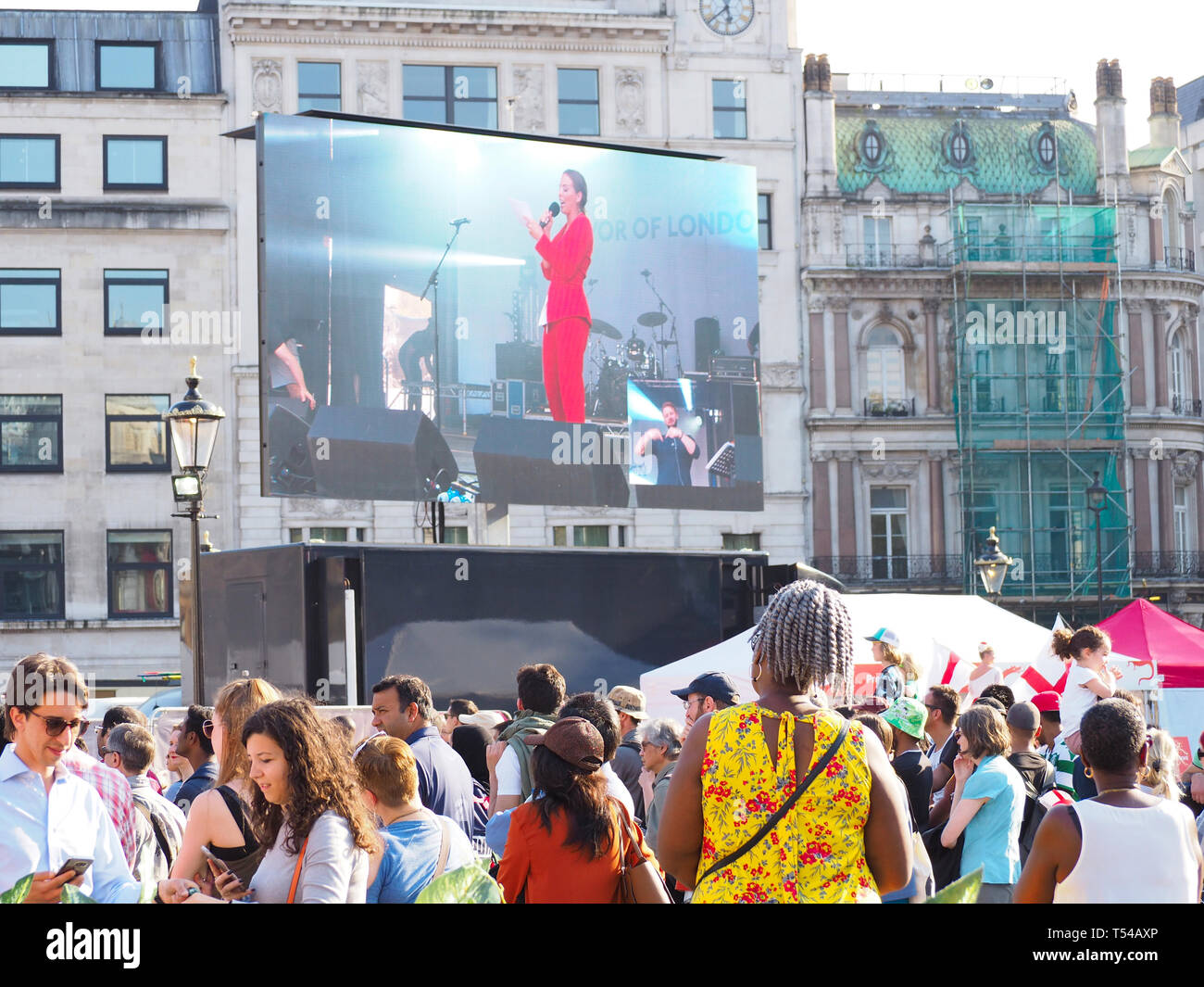 London, UK. 20th Apr 2019. The Feast of St George in Trafalgar Square - Stock Image
