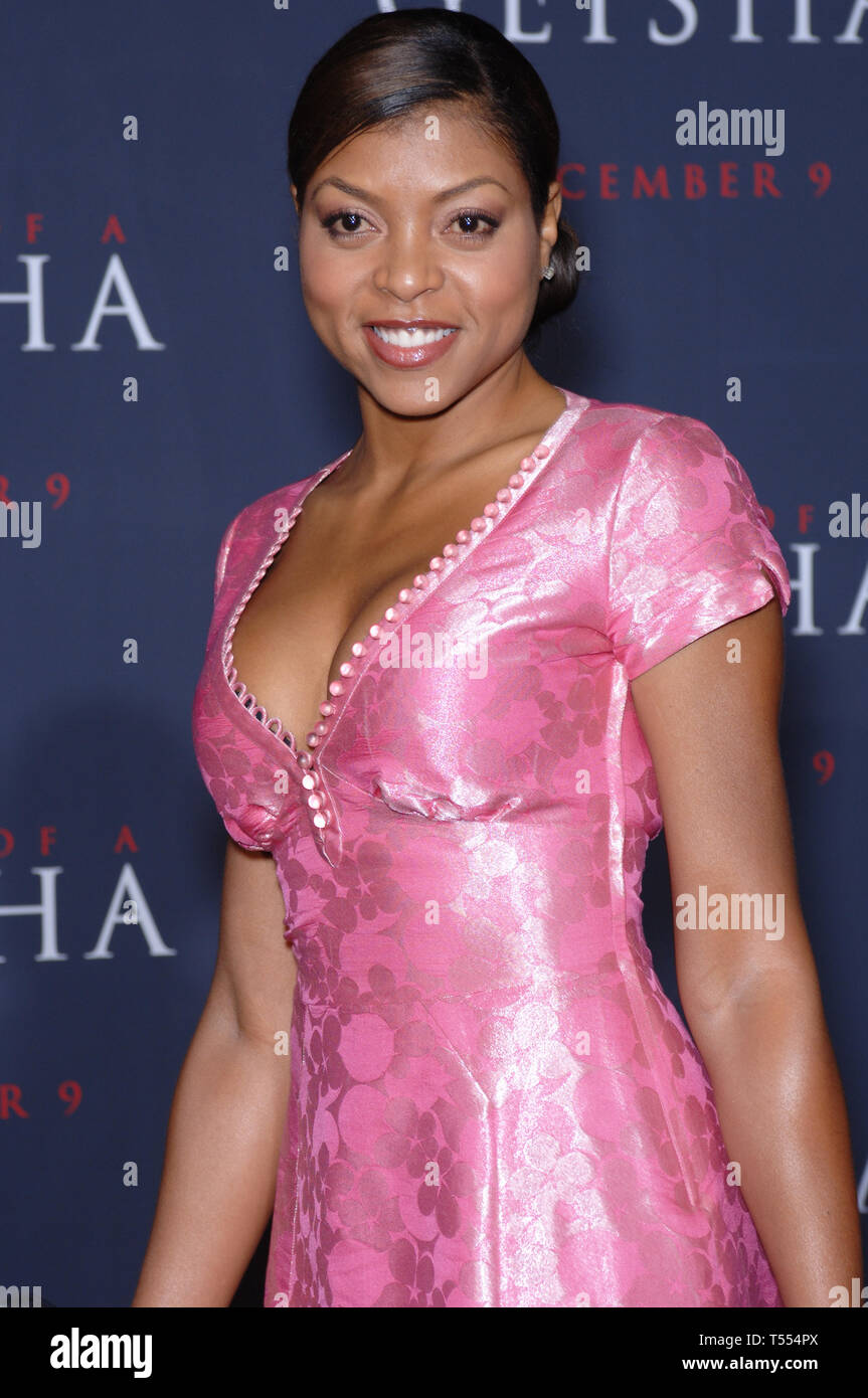 LOS ANGELES, CA. December 04, 2005: Actress TARAJI HENSON at the Los Angeles premiere of Memoirs of a Geisha. © 2005 Paul Smith / Featureflash Stock Photo