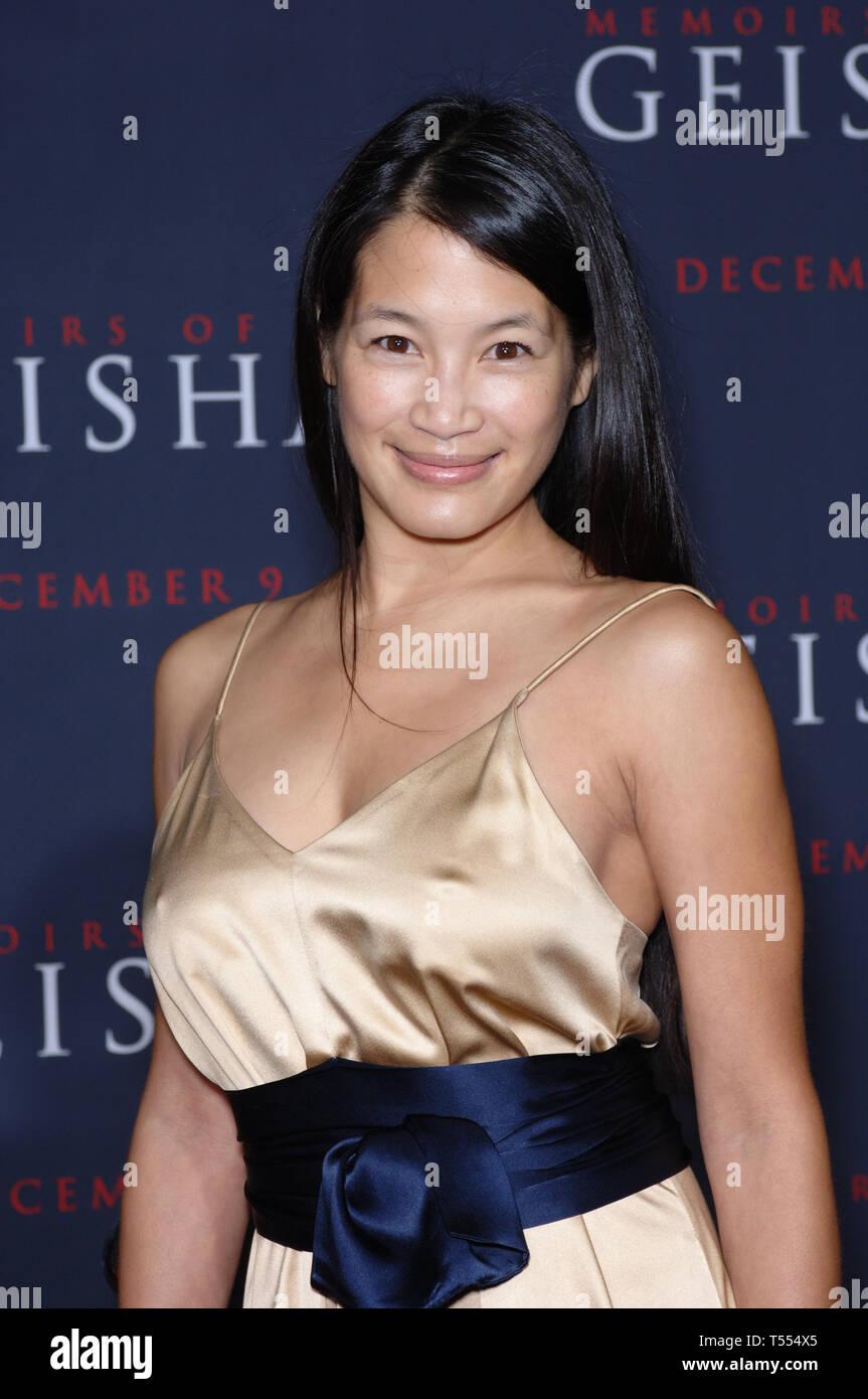Eugenia Yuan Nude Photos 99