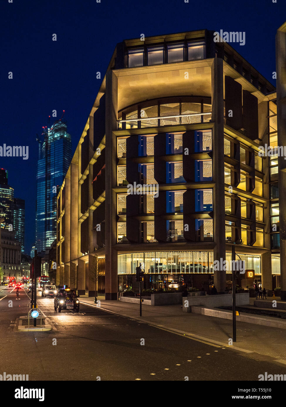 Bloomberg Building London at Night - European HQ of Bloomberg L.P. Opened 2017 architects Foster and Partners - Stock Image