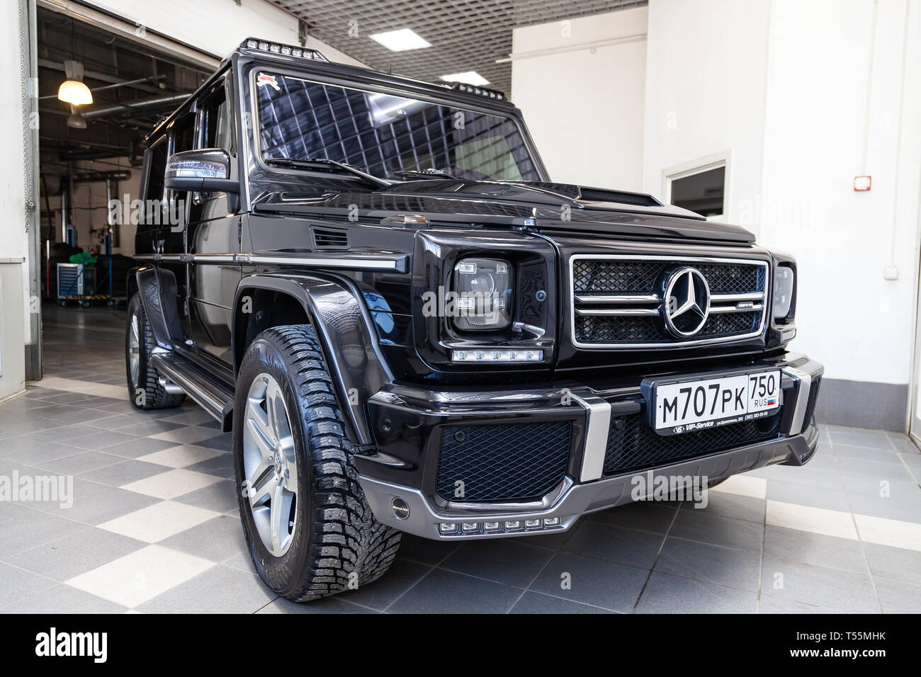 Novosibirsk Russia 08 01 18 Front View Of Luxury Very Expensive New Black Mercedes Benz G Class 350d Car With Brabus Tuning Stands In The Washing Stock Photo Alamy