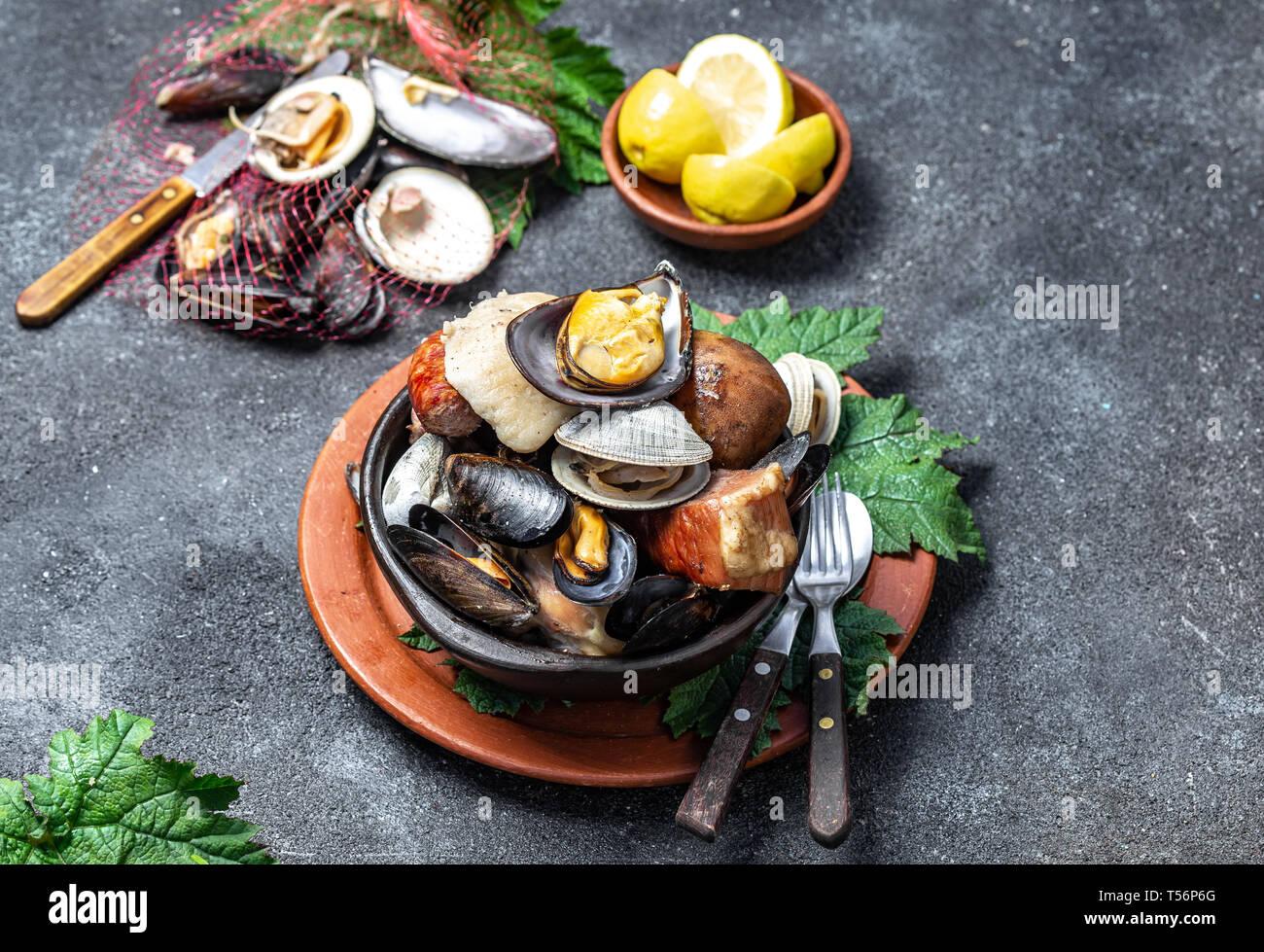 Curanto En Hoyo Food
