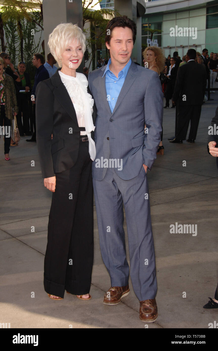 """LOS ANGELES, CA. June 13, 2006: Actor KEANU REEVES & mother PATRICIA TAYLOR at the world premiere, in Hollywood, of his new movie """"The Lake House"""". © 2006 Paul Smith / Featureflash Stock Photo"""