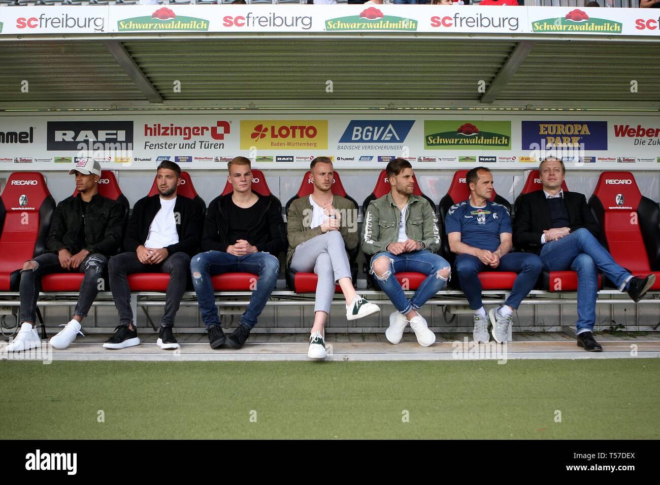 firo: 21.04.2019, football, 1.Bundesliga, season 2018/2019, SC Freiburg - Borussia Dortmund, injured players before the game on the bench,   usage worldwide - Stock Image