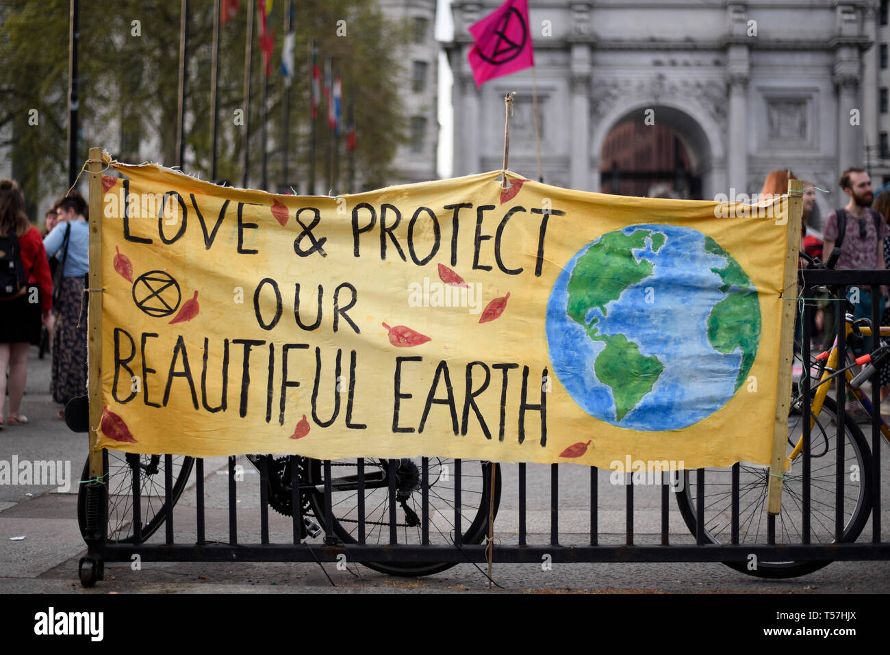 London, UK.  22 April 2019.  An activist's sign at Marble Arch during 'London: International Rebellion', on day eight of a protest organised by Extinction Rebellion.  Protesters are demanding that governments take action against climate change.  After police issued section 14 orders at the other protest sites of Oxford Circus, Waterloo Bridge and Parliament Square resulting in over 900 arrests, protesters have convened at the designated site of Marble Arch so that the protest can continue into its second week.  Credit: Stephen Chung / Alamy Live News - Stock Image