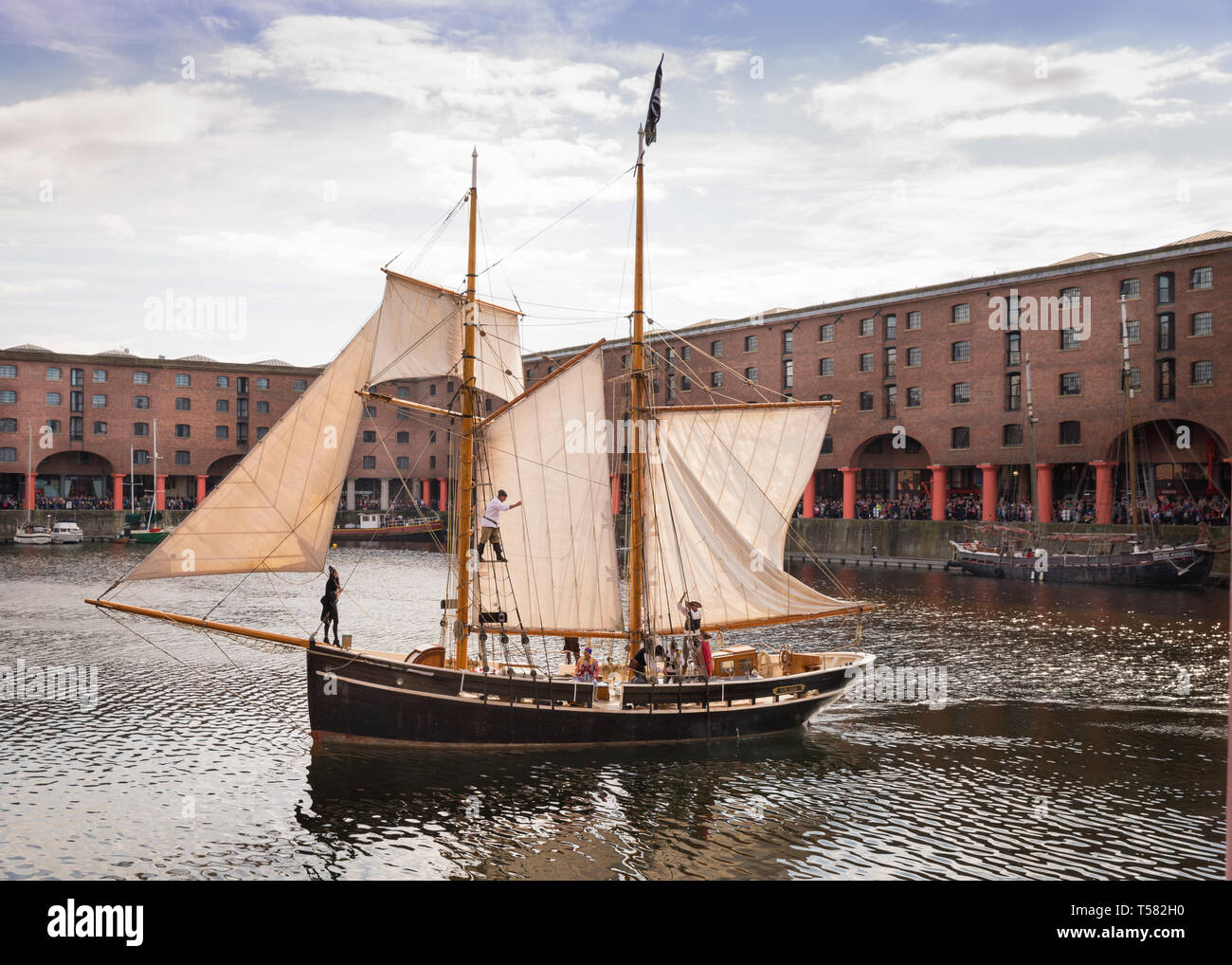 Pirate ship at Albert Dock for the Liverpool Pirate Festival - Stock Image