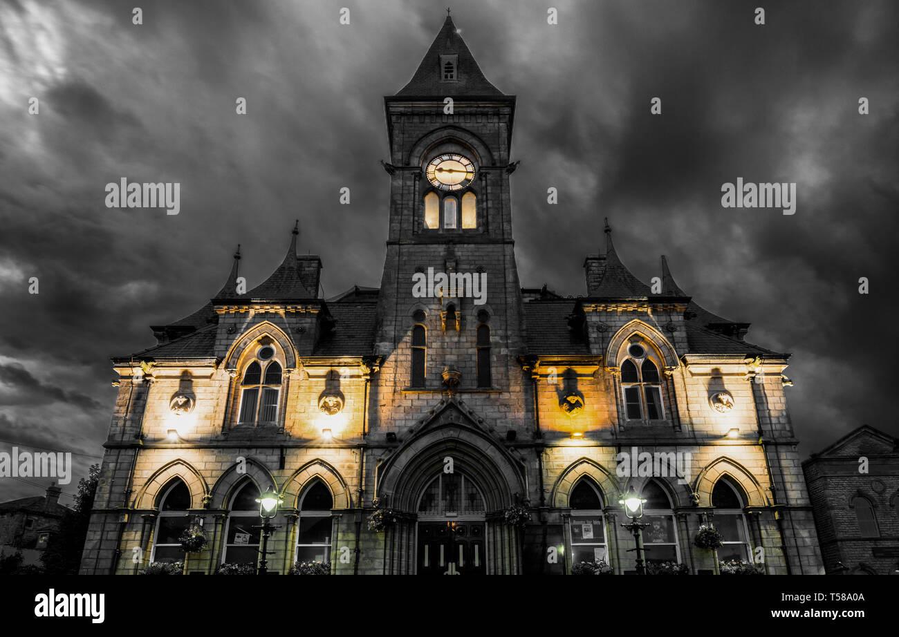 Yeadon town hall at dusk - Stock Image