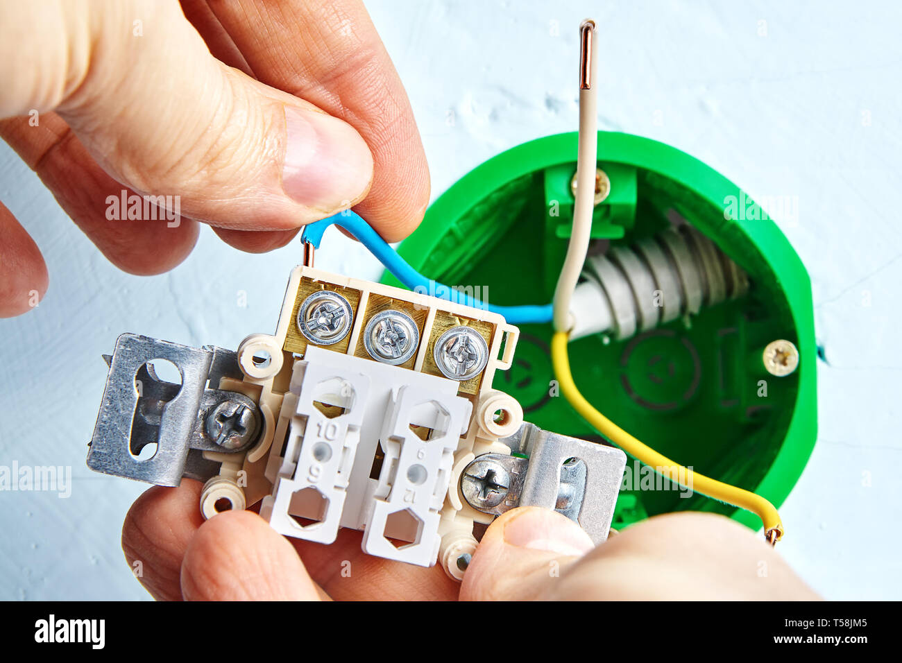 Marvelous Installation Of New Double Light Switch Connecting To Round Outlet Wiring Digital Resources Jebrpcompassionincorg