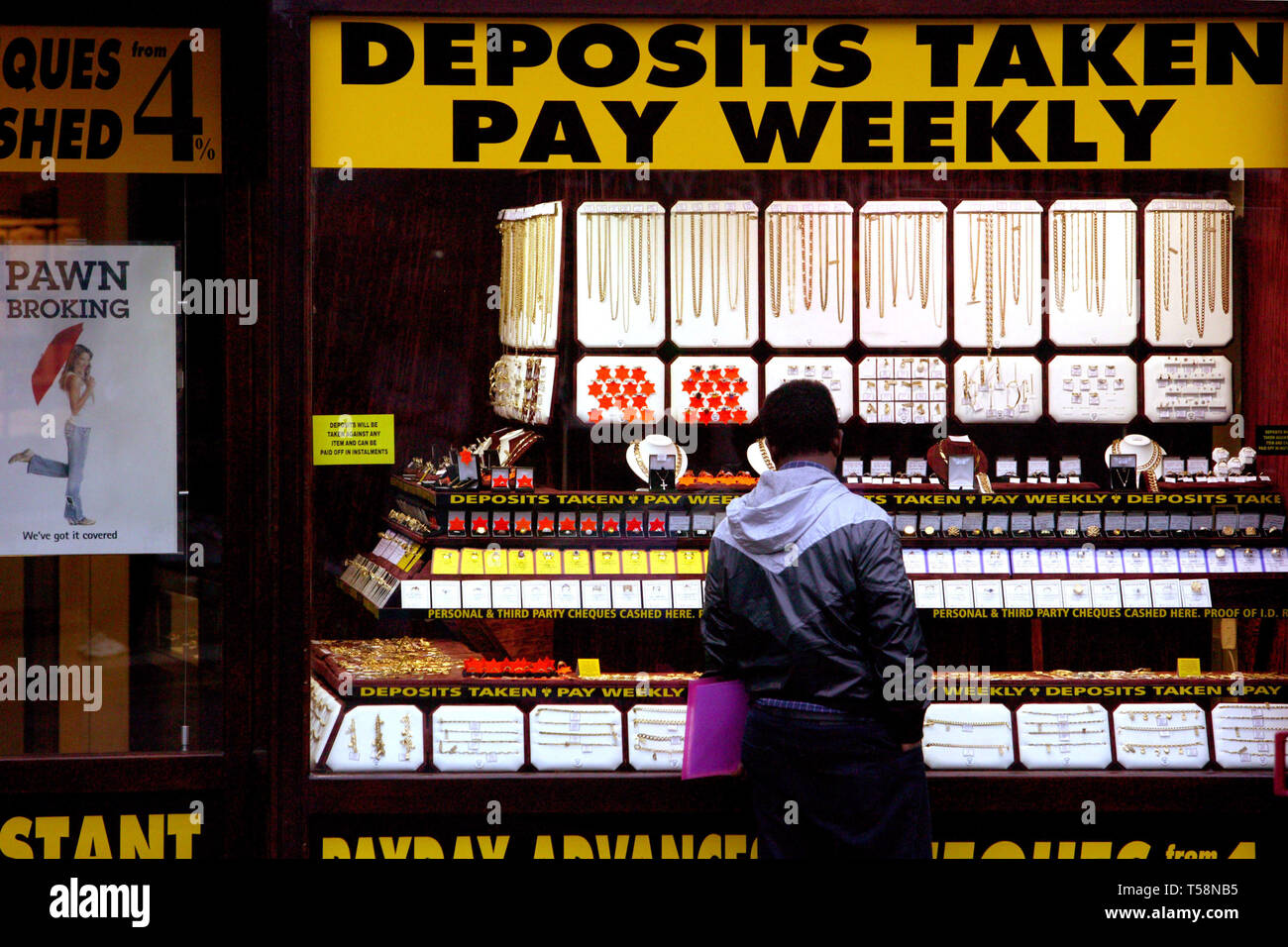 Pawnbroker, cheques cashed and speed loans. Wembley Central, London. 20/10/2008 - Stock Image