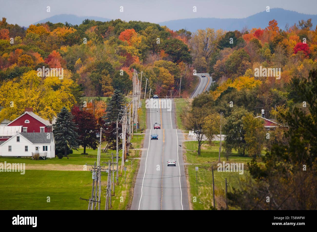 Fall foliage scene along Rt 7 near  Middlebury, Vt, USA - Stock Image