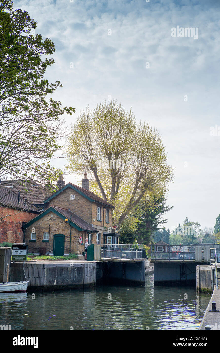 Maidenhead, Berkshire, England, UK., 22nd April 2019,  View, Boulters Lock, Lock keepers Office and Cottage, © Peter SPURRIER, - Stock Image