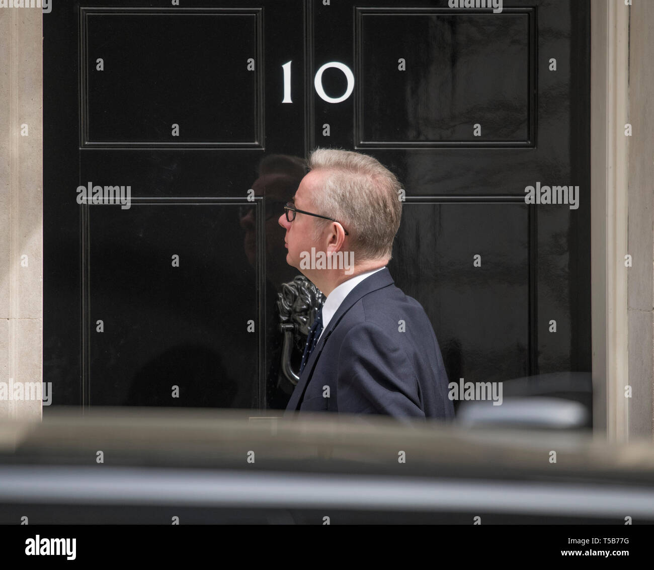 Downing Street, London, UK. 23rd April 2019. Michael Gove, Environment Secretary, Secretary of State for Environment Food and Rural Affairs, in Downing Street for weekly cabinet meeting. Credit: Malcolm Park/Alamy Live News. Stock Photo