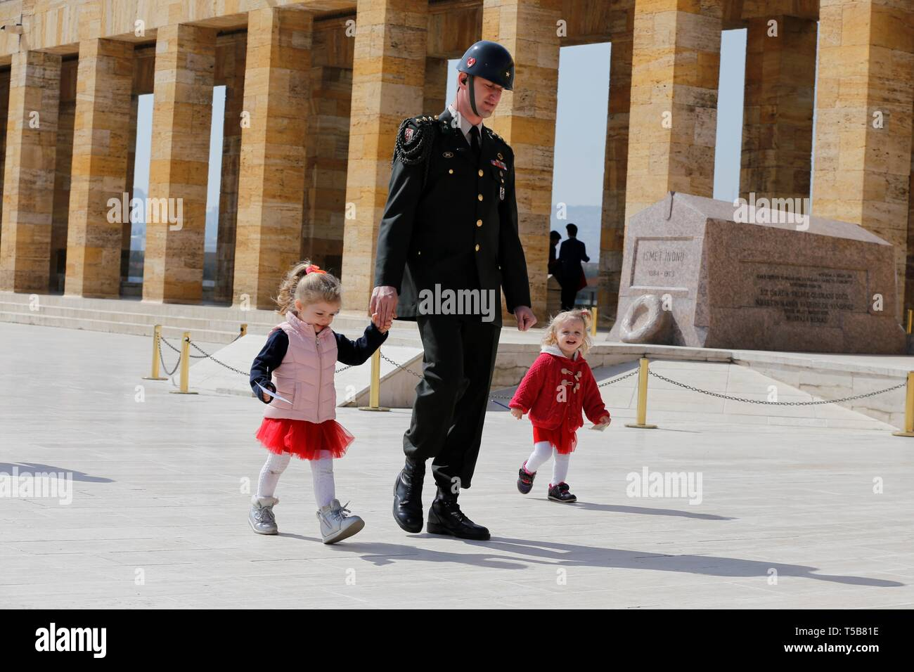 (190423) -- ANKARA, April 23, 2019 (Xinhua) -- Turkish children are seen accompanied by a soldier in front of Ataturk Mausoleum to celebrate the 99th National Sovereignty and Children's Day in Ankara, Turkey, April 23, 2019. (Xinhua/Qin Yanyang) - Stock Image