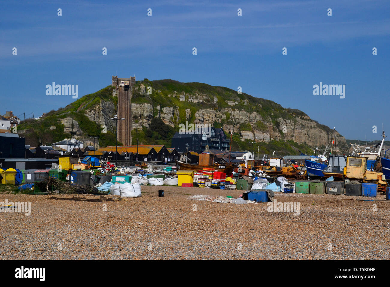 East Hill lift and fishing boats on the beach at Hastings, East Sussex, UK Stock Photo