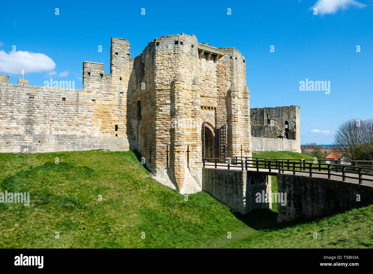 Entrance Gatehouse at Warkworth Castle, Warkworth, Northumberland, England, UK Stock Photo