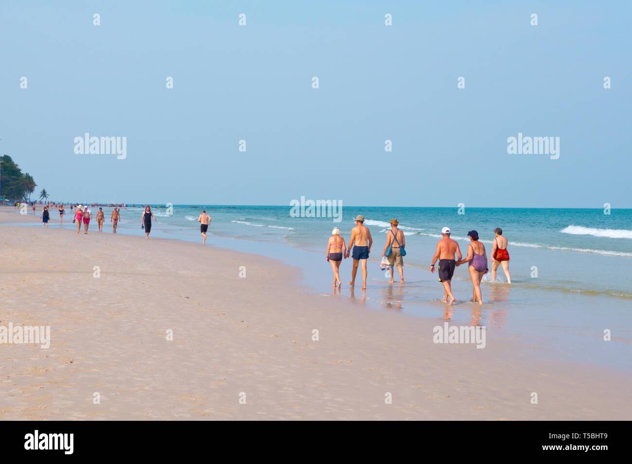 People, walking, beach, Hua Hin, Thailand Stock Photo