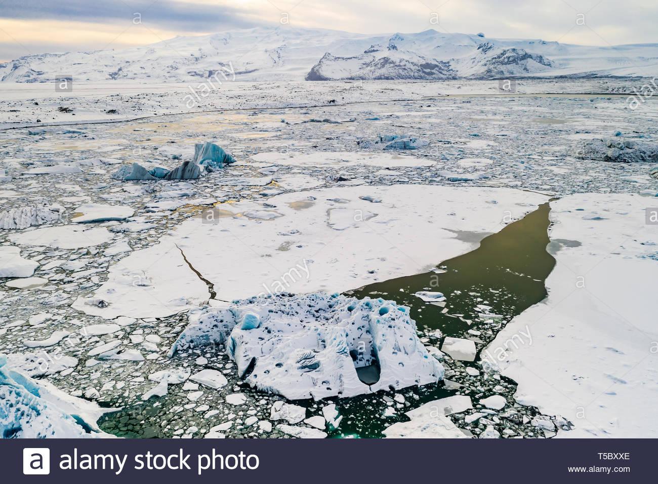 Icebergs in Jokulsarlon glacial lagoon. Vatnajokull National Park, Iceland - Stock Image