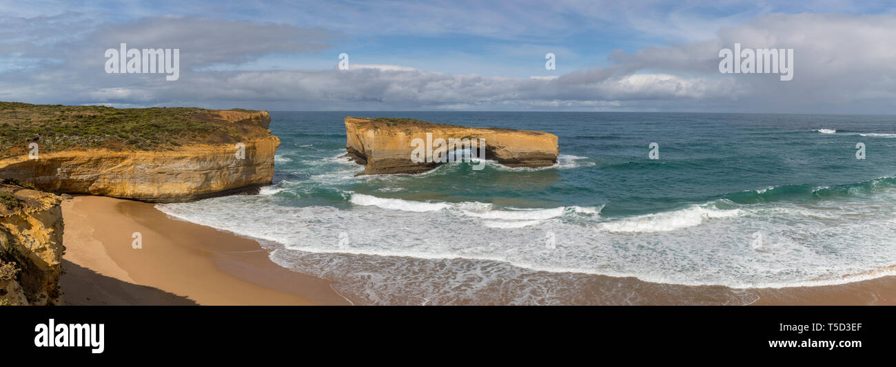 London Arch (formerly Bridge), along the Great Ocean Road in Port Campbell National Park near Peterborough, Victoria, Australia - Stock Image