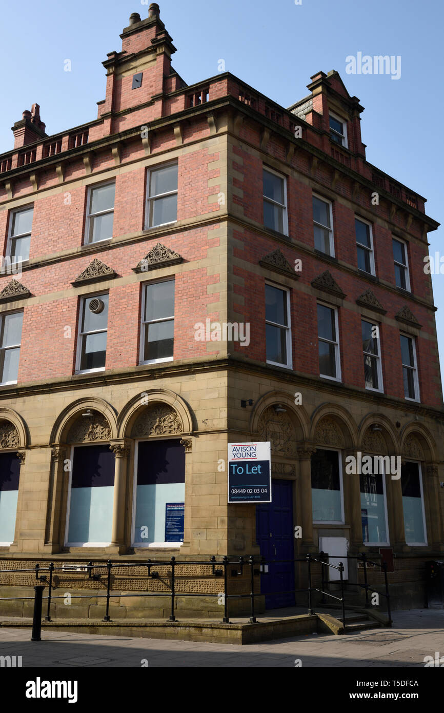 Old bank building closed and to let, royal bank of scotland, bury branch closed, lancashire uk - Stock Image