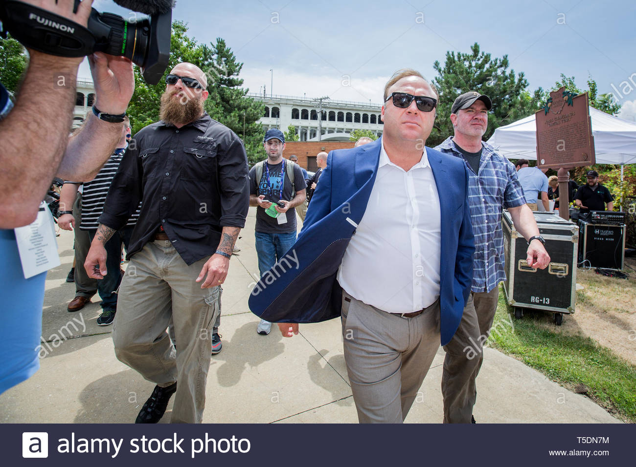 Radio shock jock, conspiracy theorist and founder of Infowars, Alex Jones, at a pro gun rally at the start of the Republican National Convention in Cleveland. - Stock Image