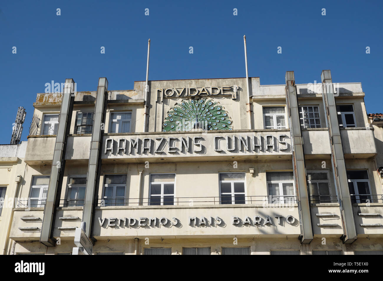 Exterior facade of Armazens Cunhas department store building in Praça de Gomes Teixeira Square in the city of Porto Portugal Europe KATHY DEWITT - Stock Image