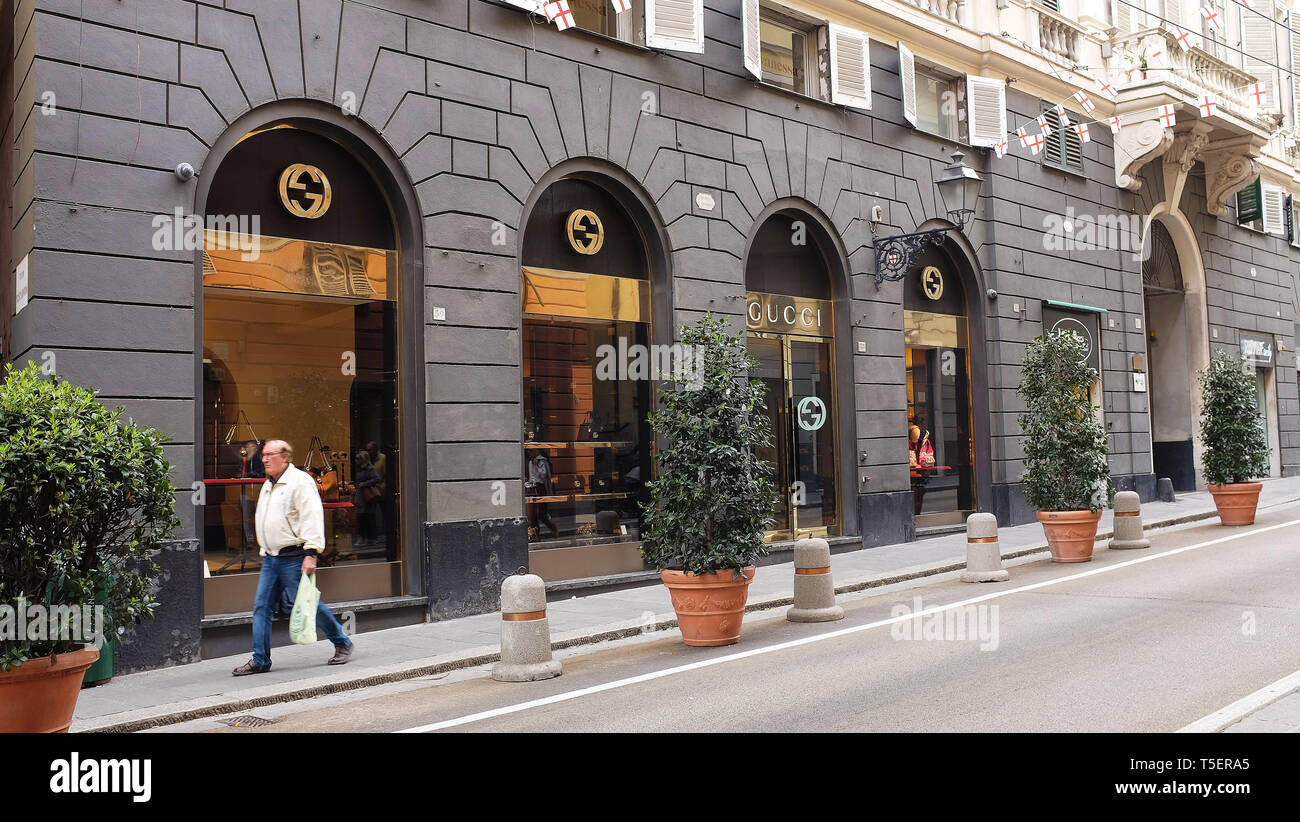 67e49b3dba5 Gucci Shop Stock Photos   Gucci Shop Stock Images - Page 2 - Alamy