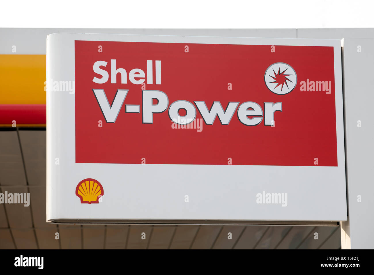 Shell Oil Station Stock Photos Shell Oil Station Stock Images Alamy