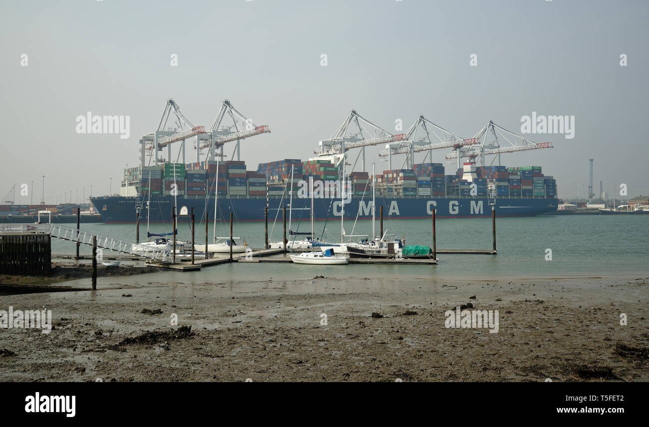 Container ship at Southampton Dock, Hampshire, England, United Kingdom. - Stock Image