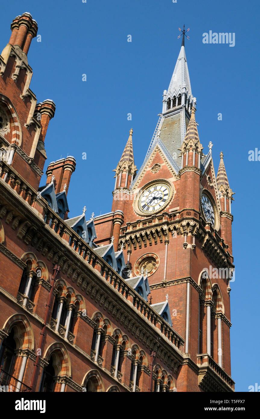 St Pancras Renaissance London Hotel clock tower, St Pancras International Railway Station, Euston Road, London, England, UK - Stock Image
