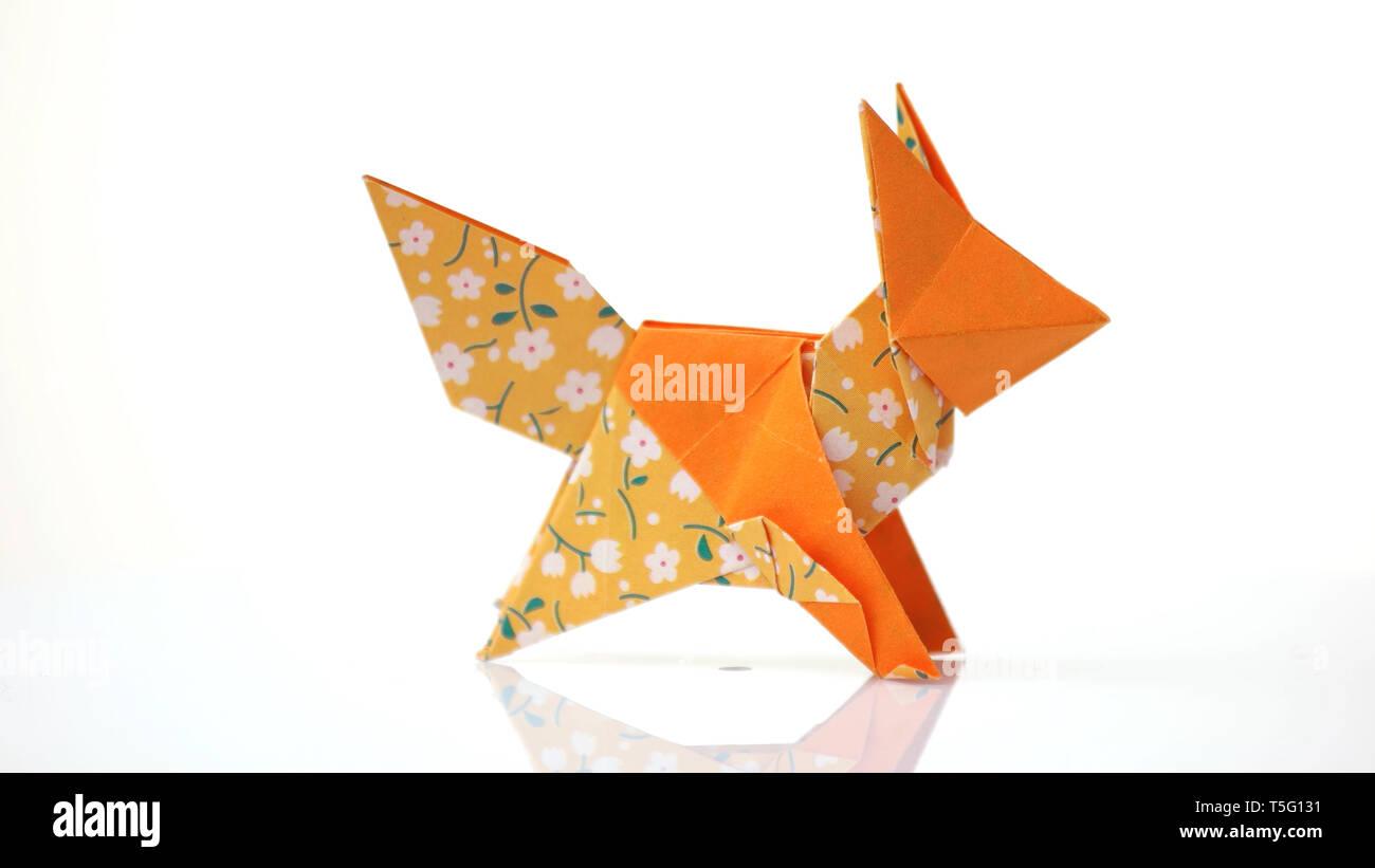 Origami fox, wetfolded. Hoang Tien Quyet design. (x-post from r ... | 821x1300