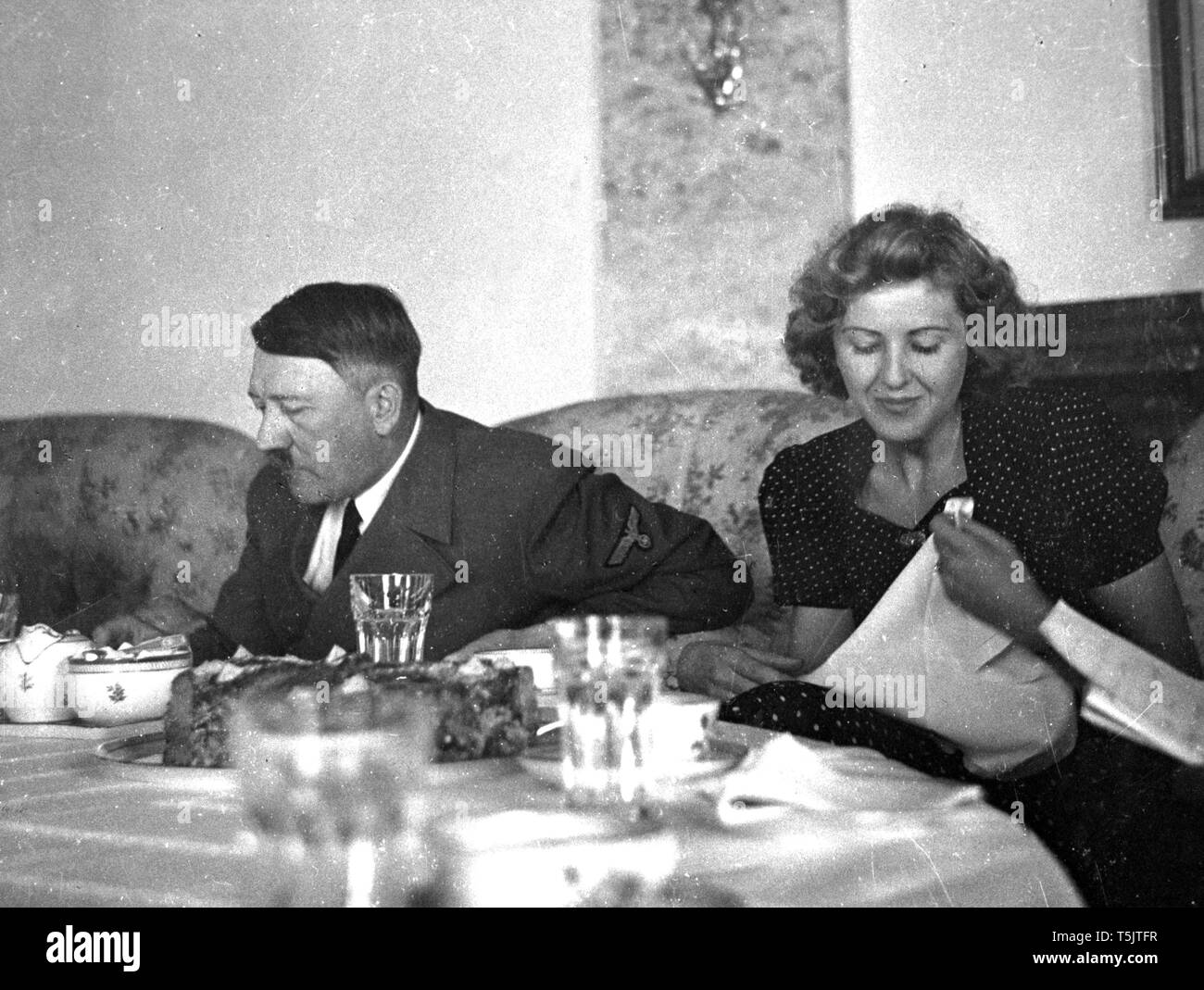 Eva Braun Collection (dvadvadaset) - Candid photo of Adolf Hitler ca. late 1930s or early 1940s - Stock Image