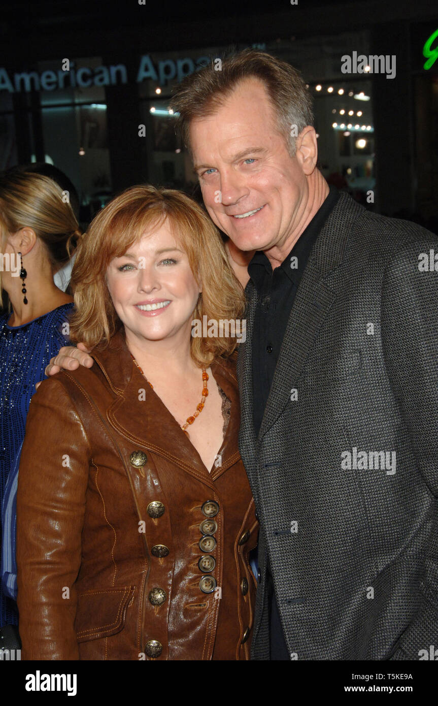 LOS ANGELES, CA  December 06, 2006: STEPHEN COLLINS & wife